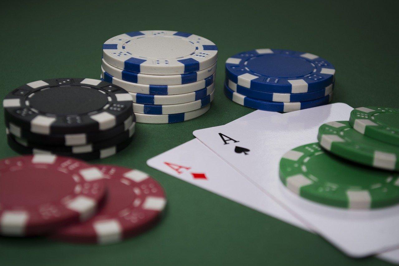 איך סופרים קלפים בפוקר